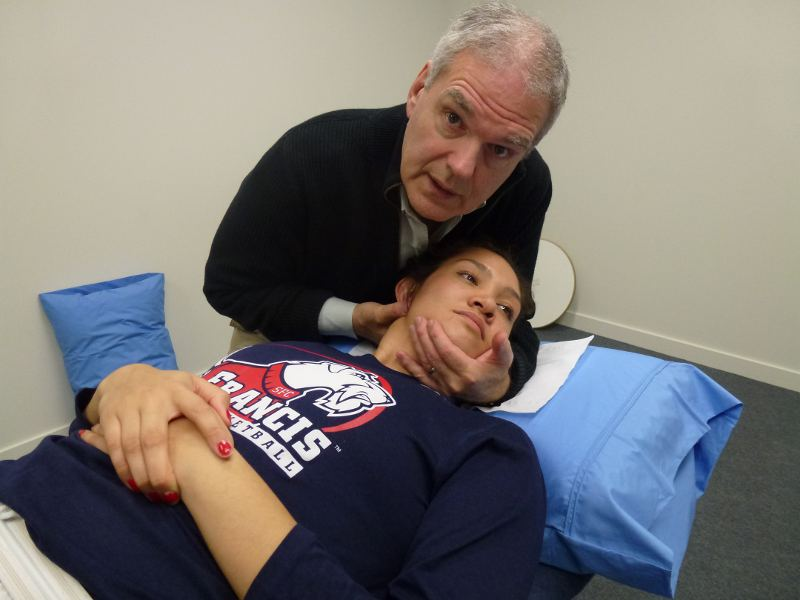 Mobilisation of the neck joints
